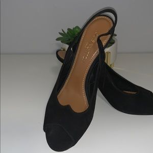 ecf2ebec80 Louis Vuitton · Classic Louis Vuitton Peep Toe ...
